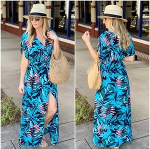 ✨LAST ONE✨Palm Print Hi Lo Maxi Dress